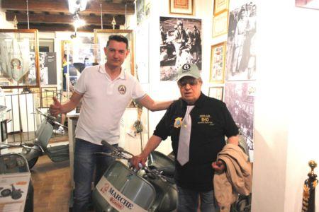 2 Giugno 2018 Cav. Giuseppe Cau Visita Il Museo Vite Da Vespa (26)