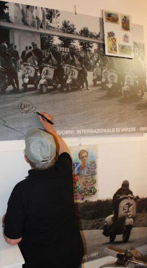 2 Giugno 2018 Cav. Giuseppe Cau Visita Il Museo Vite Da Vespa (49)