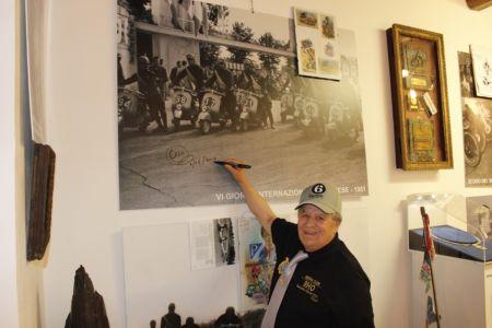 2 Giugno 2018 Cav. Giuseppe Cau Visita Il Museo Vite Da Vespa (51)