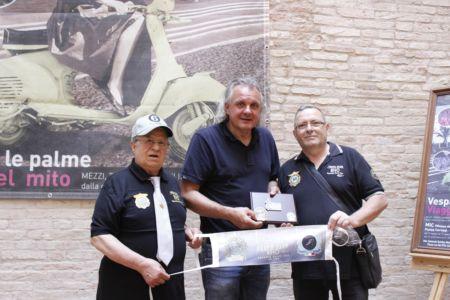 2 Giugno 2018 Cav. Giuseppe Cau Visita Il Museo Vite Da Vespa (98)