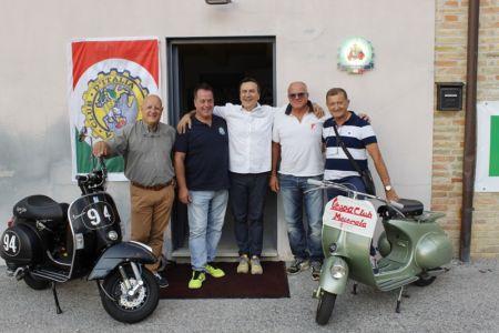 Inaugurazione Sede Vespa Club Macerata (200)